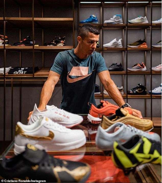 CR7 có thể mất hợp đồng 1 tỷ đô với hãng giày Nike - 1