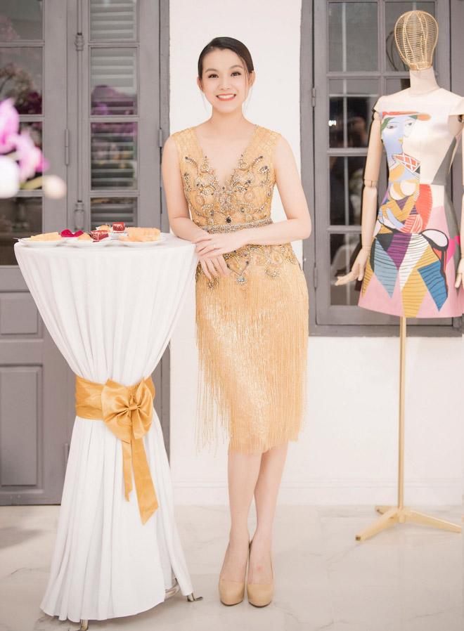 Hoa hậu Thùy Lâm trẻ đẹp ngỡ ngàng sau 10 năm đăng quang - 1