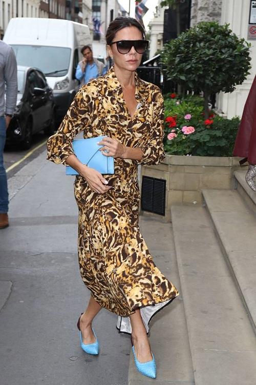 Victoria Beckham chăm mặc áo mỏng như giấy vẫn đẹp do đâu? - 1