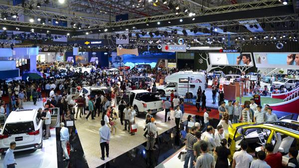 Khách hàng xuống tiền, thị trường ô tô bắt đầu tăng tốc - 1