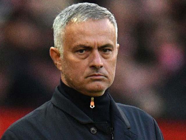 """Mourinho gặp họa vì vạ miệng: MU dễ """"rắn không đầu"""" đấu Chelsea"""