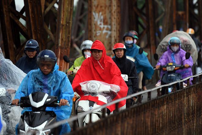 Không khí lạnh tràn về gây mưa, Hà Nội giảm 7-8 độ C - 1