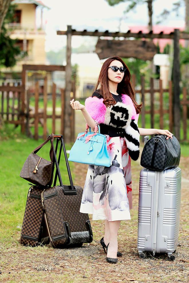 Ngân Khánh hóa thân nữ đại gia nhờ 2 tỷ trang phục hàng hiệu trên phim - 1