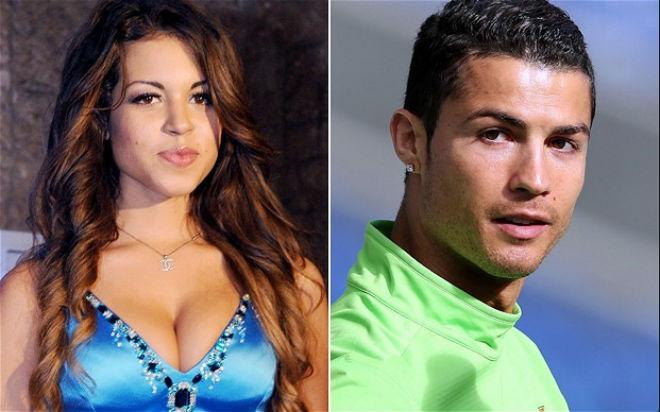 """Ronaldo lao đao: """"Quan hệ"""" với mỹ nữ chưa 18, bị ném tiền vào mặt khinh bỉ - 1"""