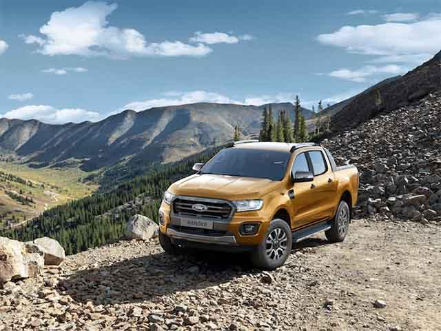 """Ford Ranger tiếp tục giữ ngôi vương """"bán tải bán chạy nhất Việt Nam"""" với 624 xe bán ra trong tháng 9"""