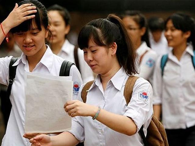 Thi vào lớp 10 ở Hà Nội: Lo học sinh thành 'máy thi'