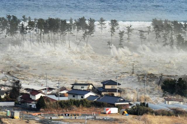 Sóng thần ập vào Indonesia cao tới 11,3 mét - 1