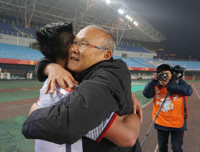 HLV Park Hang Seo tròn 1 năm dẫn dắt ĐT Việt Nam: Chấn động kỳ tích châu Á - 1