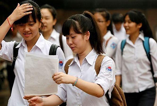 Thi vào lớp 10 ở Hà Nội: Lo học sinh thành 'máy thi' - 1