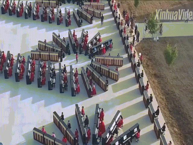 Trung Quốc lập kỷ lục Guinnes mới về số người chơi đàn cùng lúc