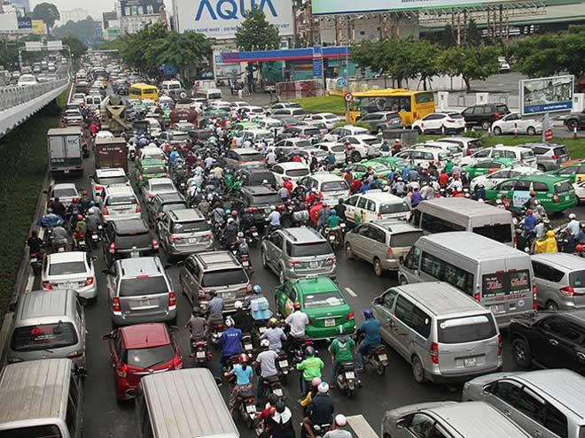 Lộ diện nhiều tuyến đường 'giải cứu' sân bay Tân Sơn Nhất - 1