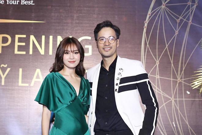 Ninh Dương Lan Ngọc đến mừng Đoàn Thanh Tài lên chức giám đốc TMV La Ratio - 1