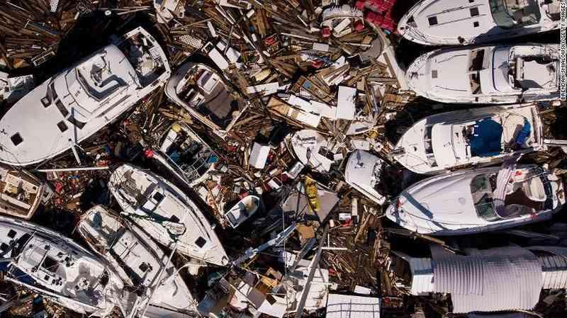 Mỹ: Siêu bão Michael 'như một quả bom phát nổ' - 1
