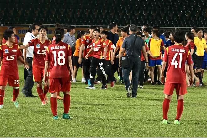 Cầu thủ nữ Việt Nam ẩu đả đấu võ trên sân: Tuyển thủ cũng bị phạt nặng - 1