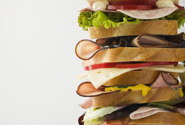Ứa nước miếng trước những loại sandwich ngon nhất thế giới - 1