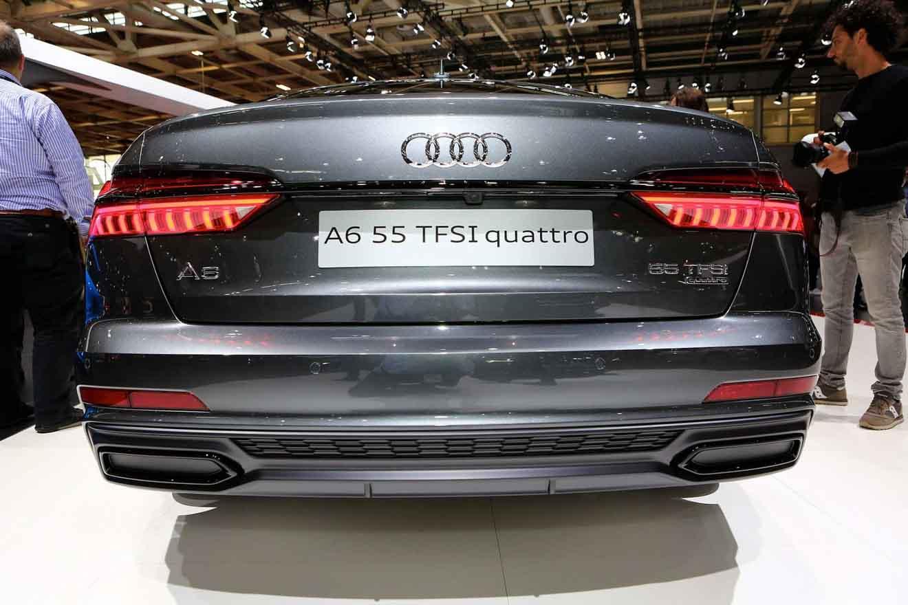 """Những chiếc xe có miệng ống xả """"làm cho có"""" tại triển lãm Paris Motor Show - 1"""