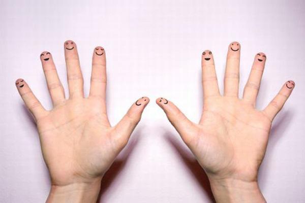Bật mí chuyện hôn nhân qua số lượng hoa tay của mỗi người - 1