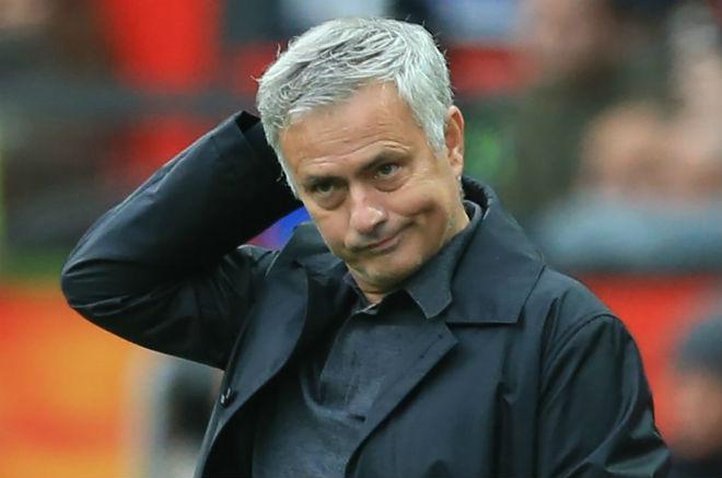 MU đại chiến Chelsea: Mourinho văng bậy, FA xử nặng cấm chỉ đạo - 1