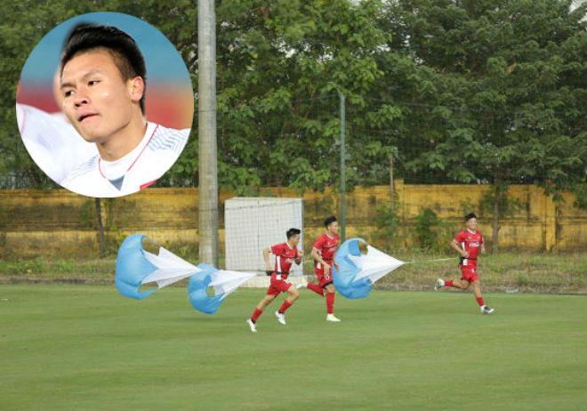 """ĐT Việt Nam săn vàng AFF Cup: Quang Hải U23 sung sức nhờ bài tập """"lạ"""" - 1"""