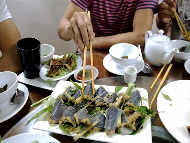 Thịt rắn của Việt Nam nổi tiếng trên báo nước ngoài