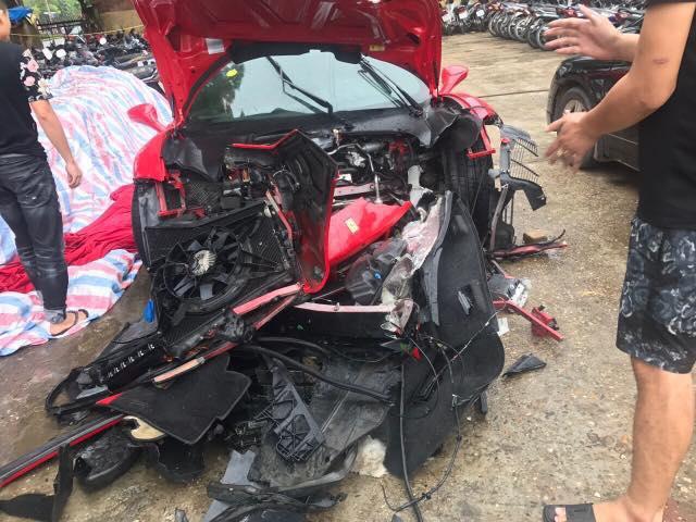 Tin mới vụ siêu xe của ca sĩ Tuấn Hưng gặp nạn trên cao tốc - 1