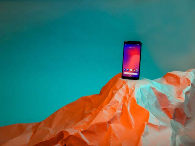 """Không phải iPhone XS Max, đây mới là smartphone """"sống dai"""" hơn"""
