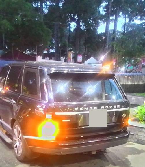 """24h HOT: Xế 10 tỷ của Hà Hồ bốc khói, ô tô diễn viên """"Người phán xử"""" gặp nạn - 1"""