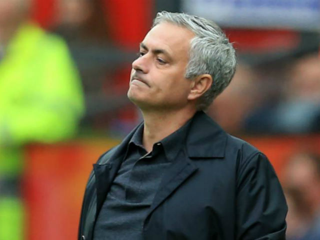 """MU đại chiến Chelsea: 6 """"mũi giáo nhọn"""" chờ xuyên thủng Mourinho"""