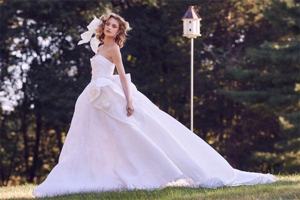 Nín thở vì bộ sưu tập váy cưới đẹp như một giấc mơ - 1