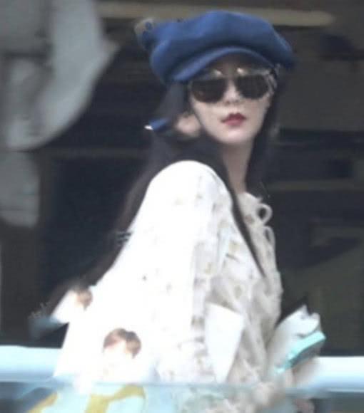 Lộ diện ảnh cận mặt đầu tiên của Phạm Băng Băng sau scandal: Nhan sắc gây bất ngờ - 1