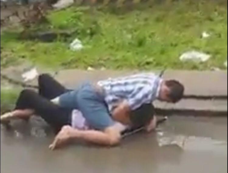 """Video: Xôn xao tài xế Grab và taxi """"đánh vật"""" trên đường - 1"""