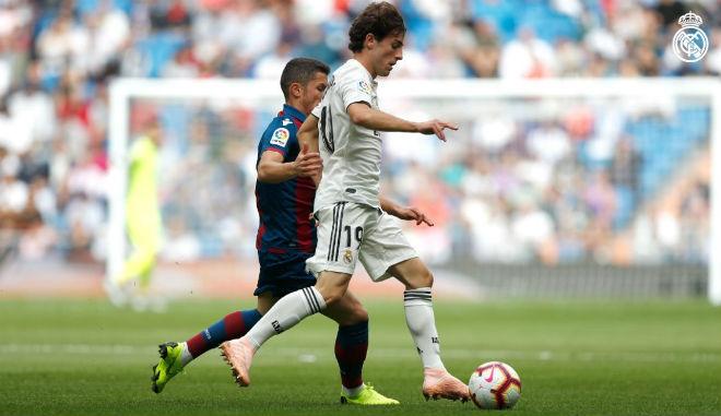Real Madrid - Levante: 13 phút định đoạt, ngỡ ngàng 3 bàn bị từ chối - 1