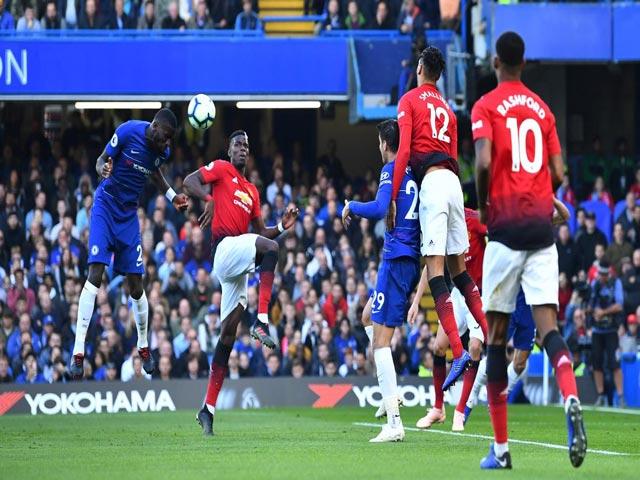 """Đại chiến Chelsea-MU: Pogba mắc lỗi nghiệp dư khiến """"Quỷ đỏ"""" ôm hận"""