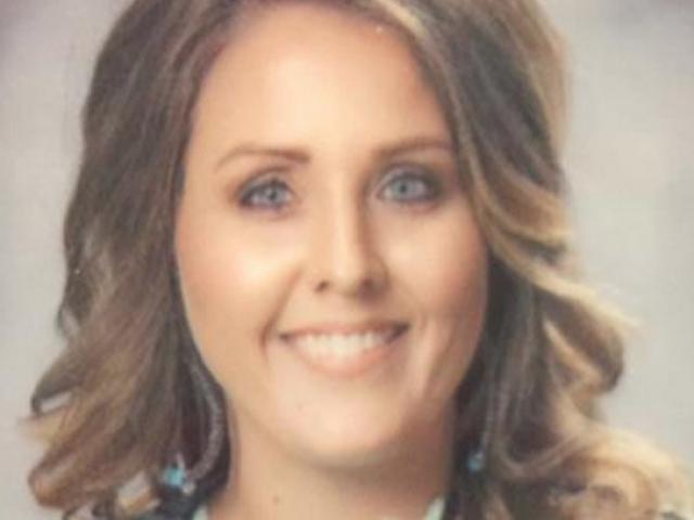 Nữ giáo viên Mỹ bị bắt vì chuốc rượu, quan hệ với hai học sinh