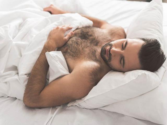 Lý do tại sao nam giới nên khỏa thân khi ngủ