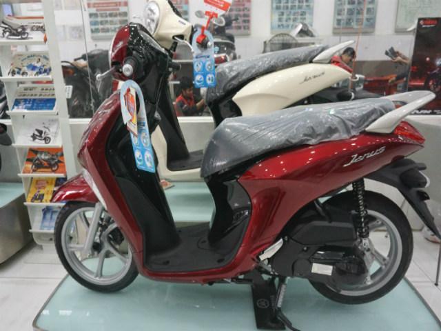 Ngắm 2018 Yamaha Janus đỏ đẹp mê ly tại đại lý, giá 28 triệu đồng