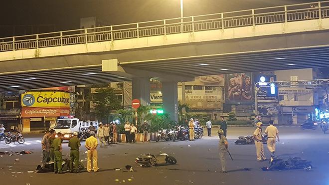 Nữ tài xế lái BMW gây tai nạn kinh hoàng, nhiều người thương vong - 1