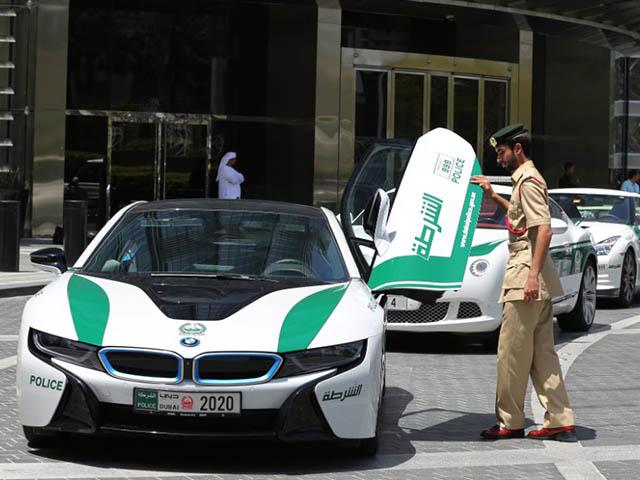 Những siêu xe đắt giá của cảnh sát các nước trên thế giới