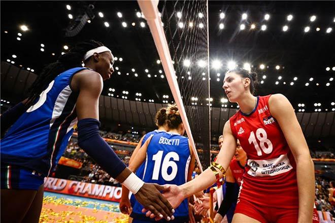 """Bóng chuyền: Chân dài 1m93 ghi 193 điểm, Serbia """"trị vì"""" thế giới - 1"""