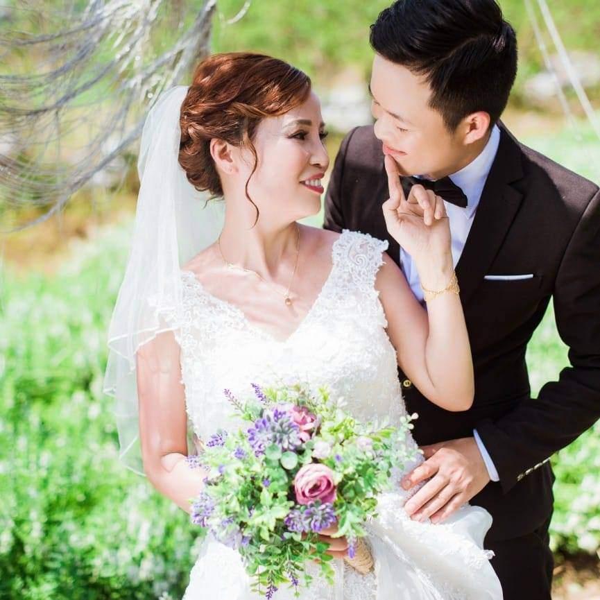Vợ 62 lấy chồng 26 tuổi trả lời 'sốc' về những người bêu xấu gia đình - 1
