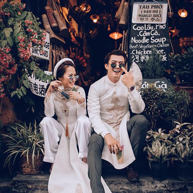 Hà Nhung cũng chia sẻ, dù cả hai mới chỉ trải qua 2 tháng hẹn hò trước khi làm đám cưới nhưng cô tin tưởng vào tình yêu của mình.