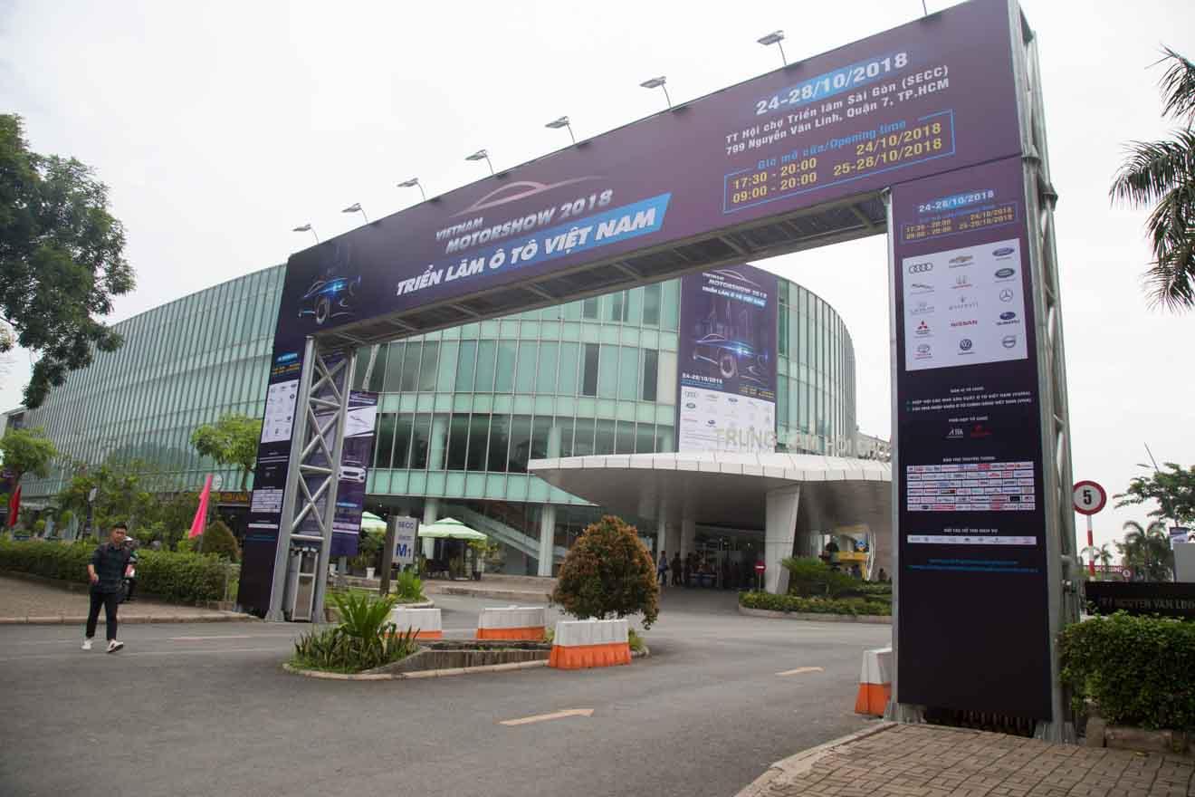 Triển lãm ôtô Việt Nam 2018 (VMS2018) chính thức khai mạc: Loạt xe hoàn toàn mới lần đầu tiên xuất hiện - 1