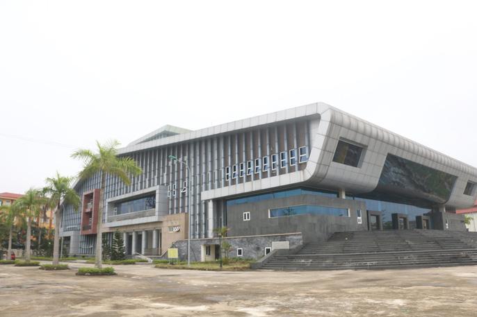 """Cận cảnh bên trong nhà hát 117 tỉ đồng """"đắp chiếu"""" ở Hà Nội - 1"""