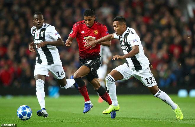 Juventus hạ MU cúp C1: Ronaldo hớn hở ăn mừng, Pogba ôm hận vì cột dọc - 1