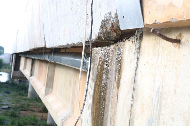 Xuất hiện thêm nhiều cầu thấm dột trên cao tốc Đà Nẵng - Quảng Ngãi - 1