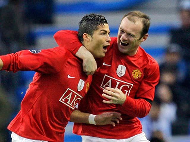 """Rooney tròn 33 tuổi: Nhìn Ronaldo vẫn trên đỉnh, """"tiểu Pele"""" có chạnh lòng?"""