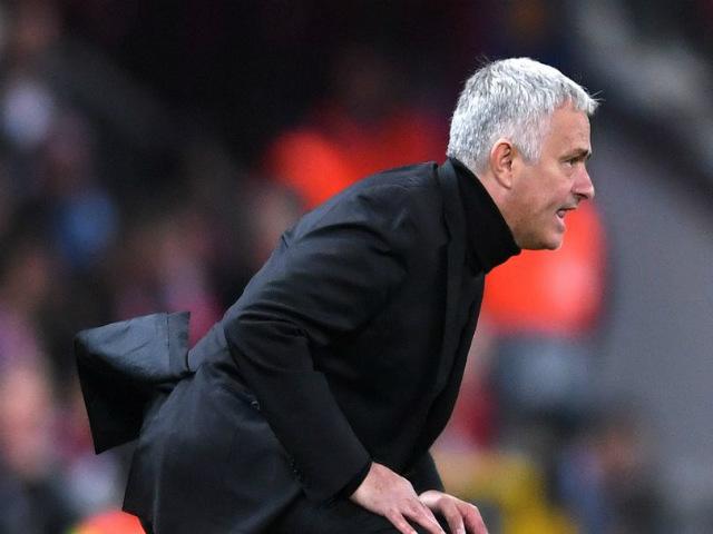 Mourinho vật vã cứu ghế: MU khốn khổ & 4 trận chiến sống còn