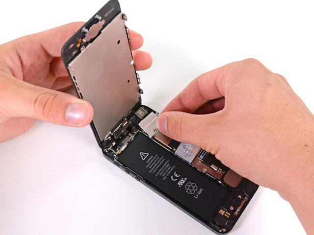 Apple kéo dài chương trình thay pin iPhone miễn phí tới cuối tháng 12/2018