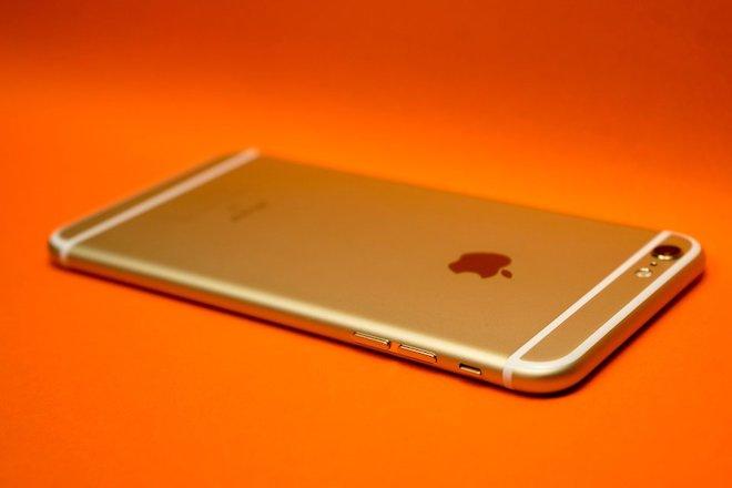 Hãy thay pin ngay cho tất cả smartphone từ iPhone 6 trở lên nếu gặp sự cố này... - 1