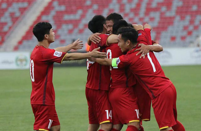 """Bảng xếp hạng FIFA tháng 10: Việt Nam hơn """"ông lớn"""" châu Á Triều Tiên 8 bậc - 1"""